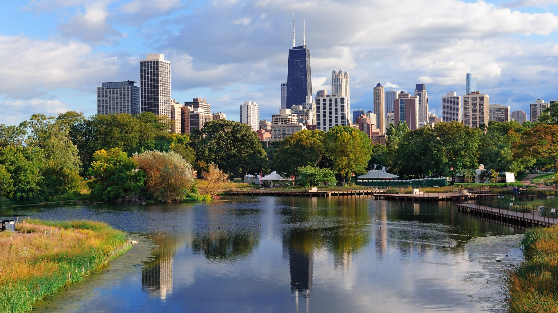 Chicago Skyline Reflected in Pond | Loews Chicago Hotel