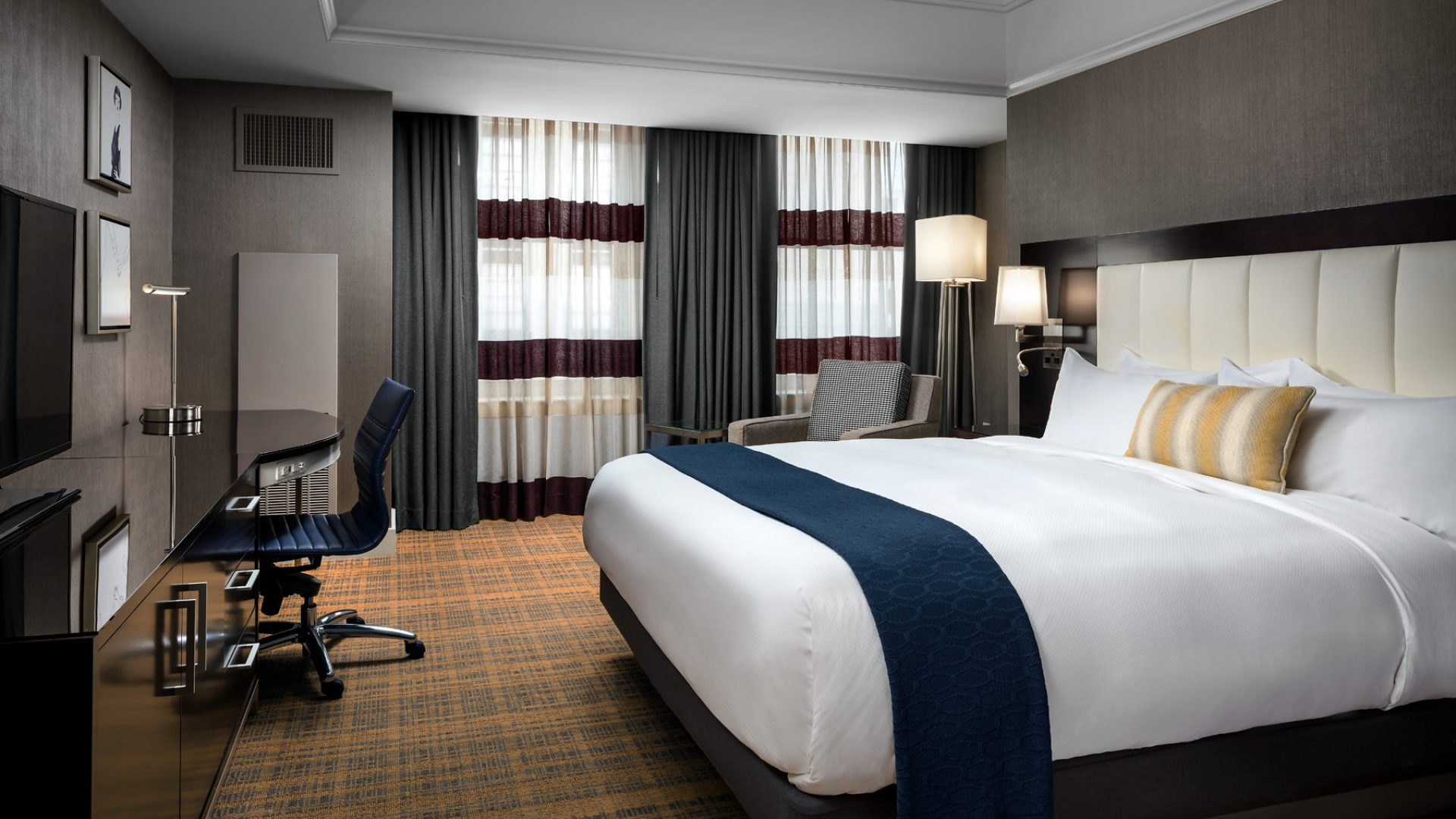 boutique boston hotel guest rooms loews boston hotel. Black Bedroom Furniture Sets. Home Design Ideas