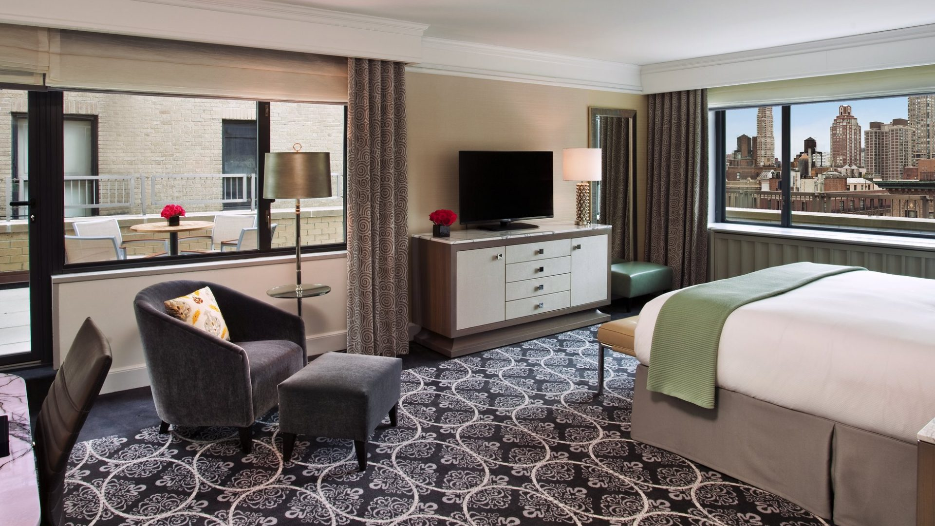 Nyc luxury hotel rooms loews regency hotel for 70 park terrace east new york ny