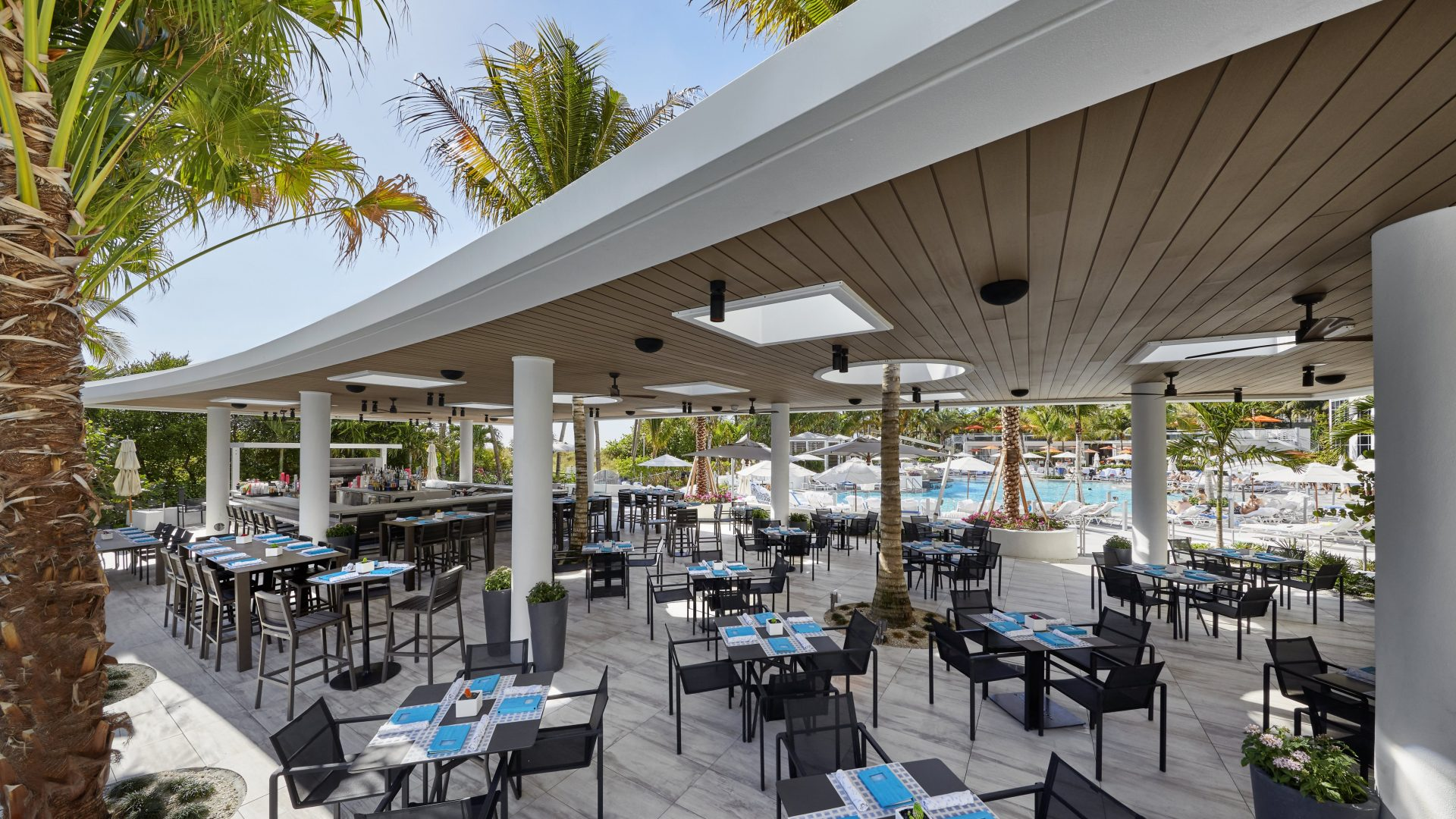 Fine dining in miami beach loews south beach hotel for Garcia s seafood grille fish market miami fl