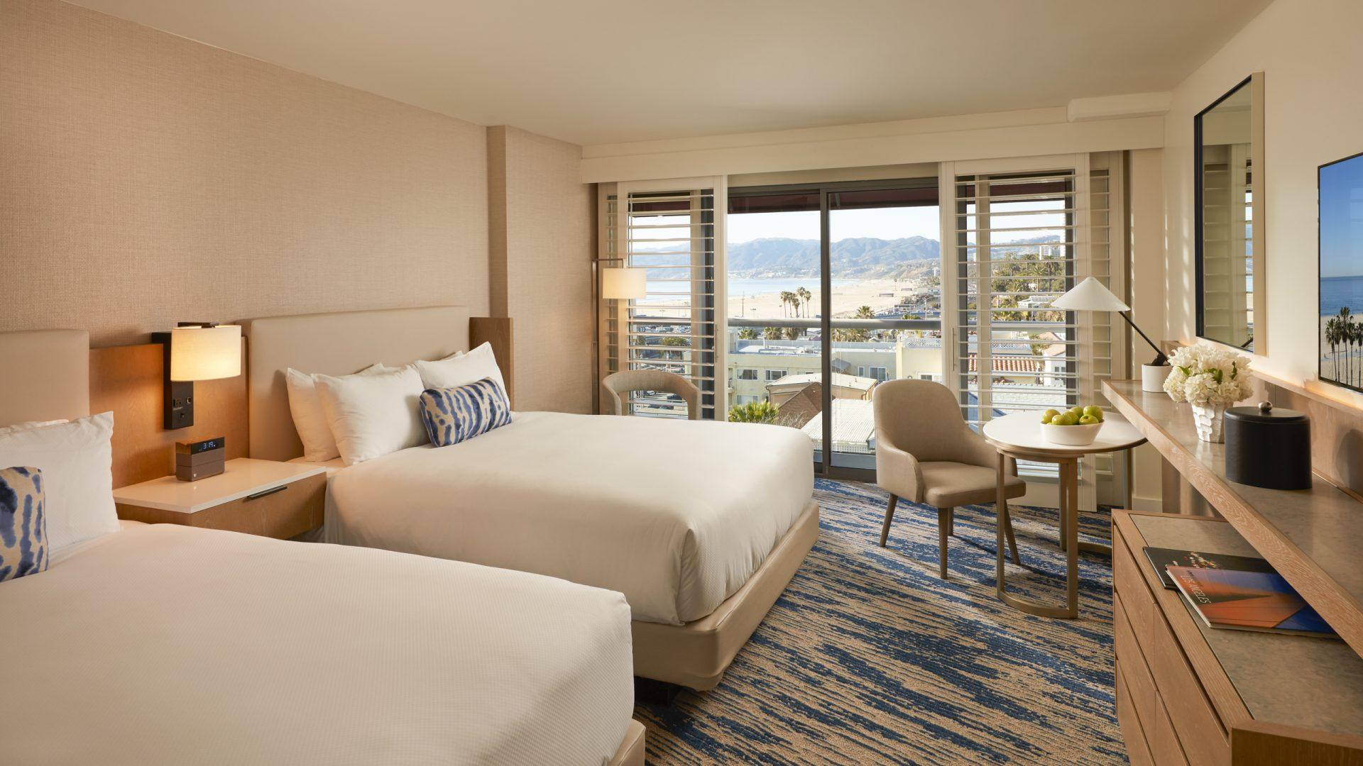 santa monica accommodations loews santa monica hotel. Black Bedroom Furniture Sets. Home Design Ideas