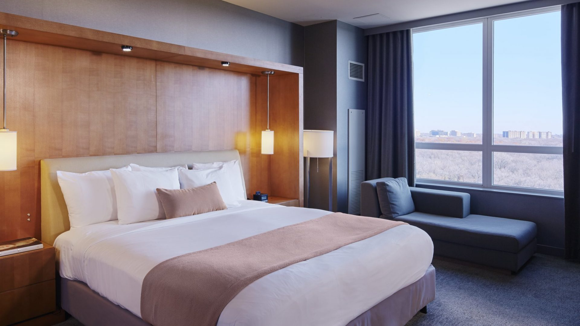One Bedroom Suite | Loews Chicago O'Hare Hotel