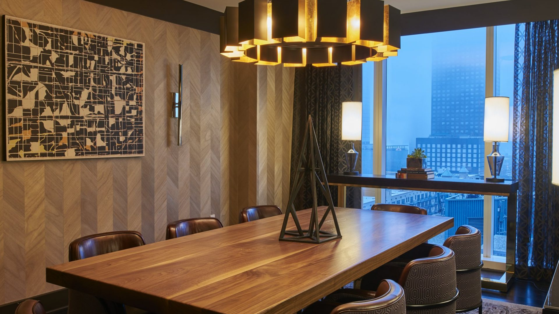 Navy Pier Suite Dining | Loews Chicago Hotel