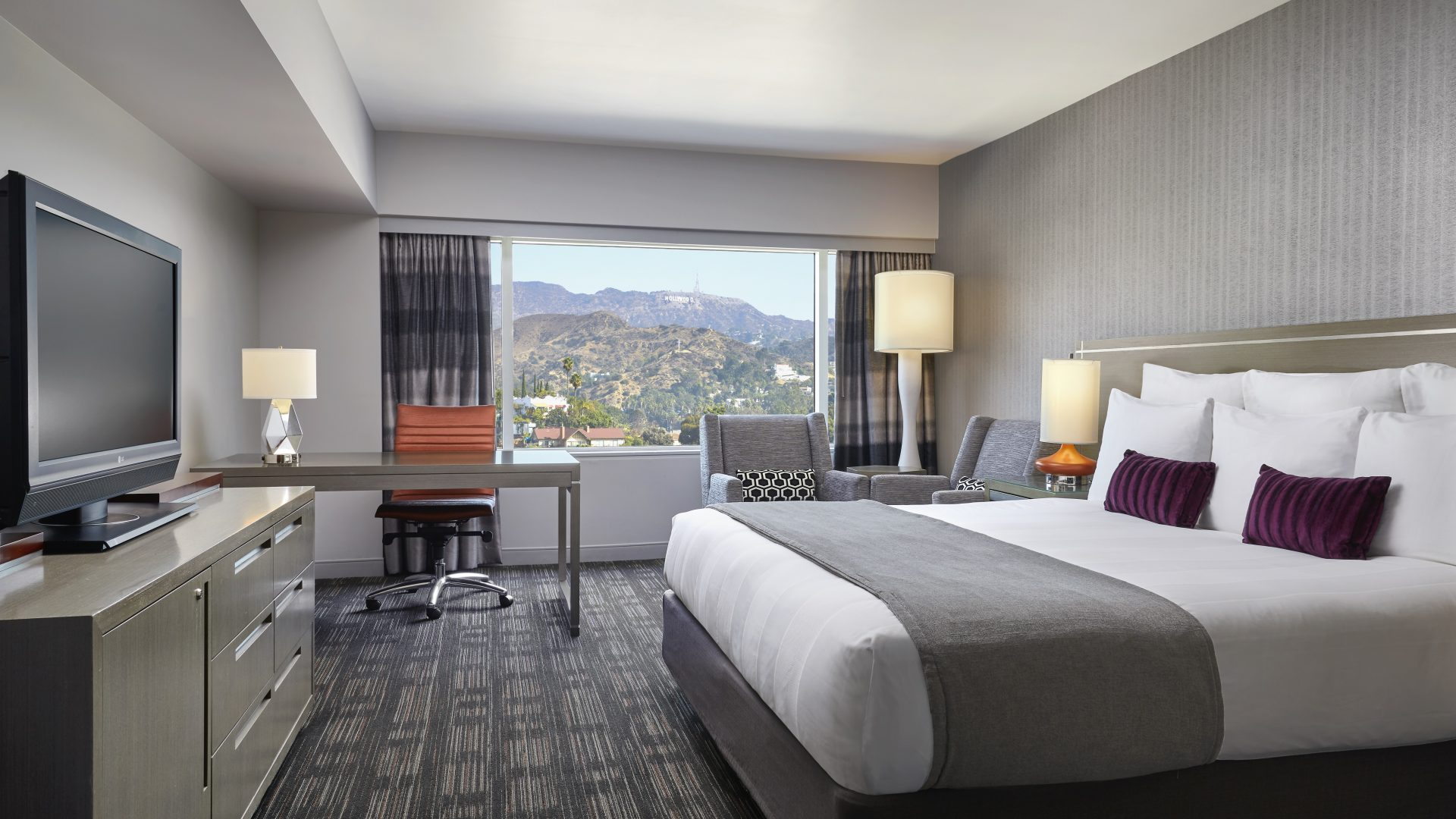 Hollywood Sign King | Loews Hollywood Hotel
