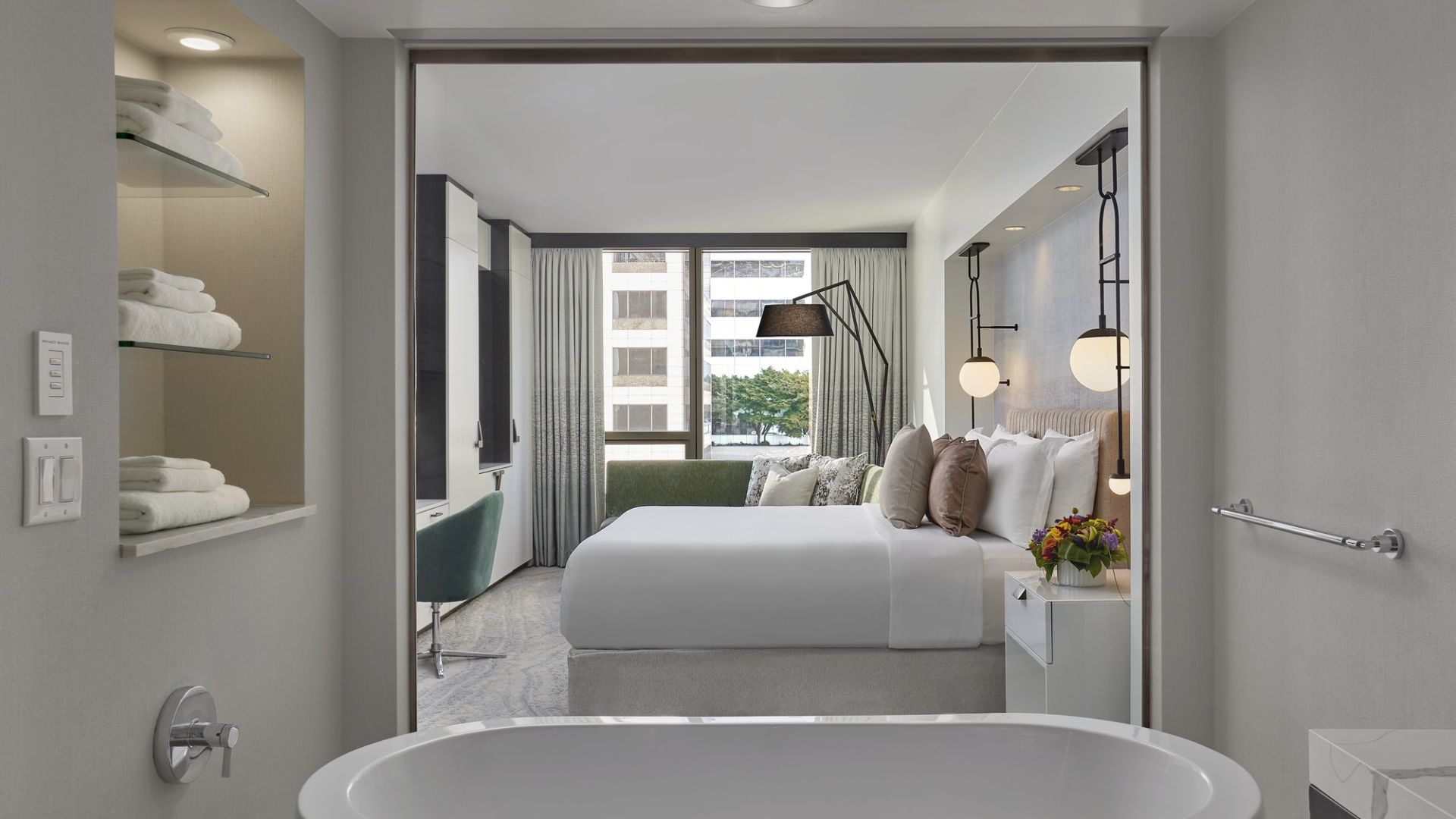 Waterfront Hotel Rooms In Seattle