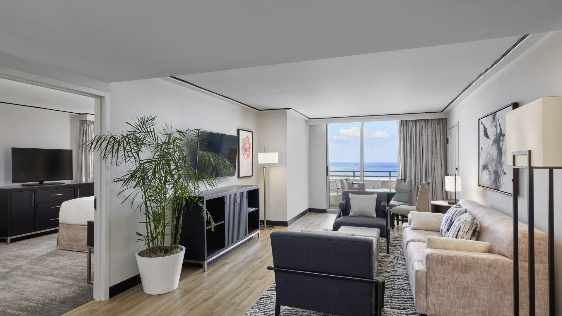 Hotel Rooms Amp Suites In Miami Loews Miami Hotel