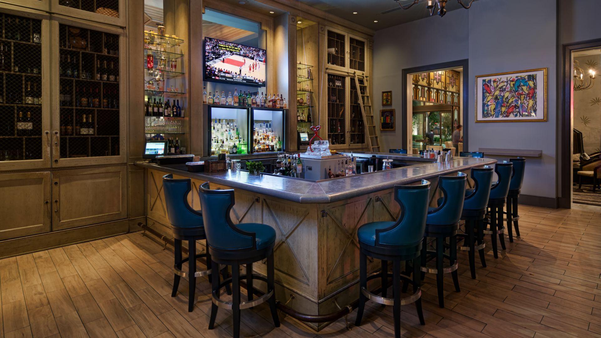 New Orleans Restaurant  U0026 Bar