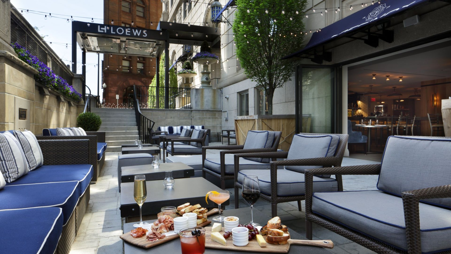 Patio en Precinct Kitchen + Bar | Loews Boston Hotel