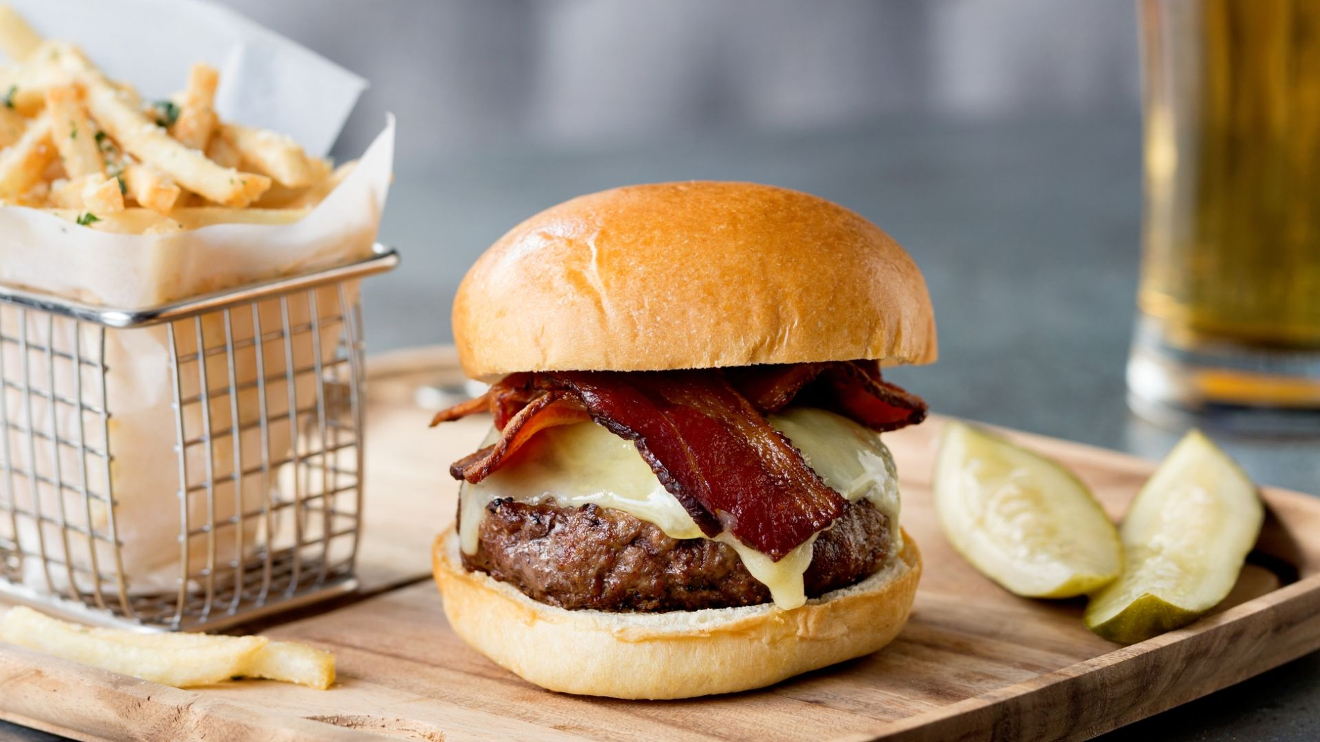 Precinct Burger | Precinct Kitchen + Bar | Loews Boston Hotel