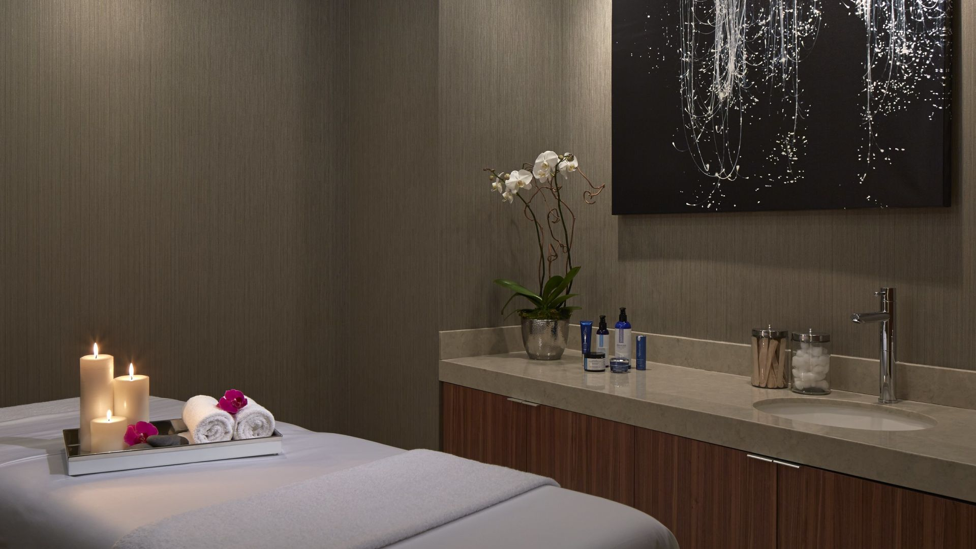 Spa at Loews Chicago Treatment Room
