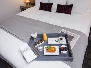Breakfast in Bed | In Room Dining | Loews Hollywood Hotel