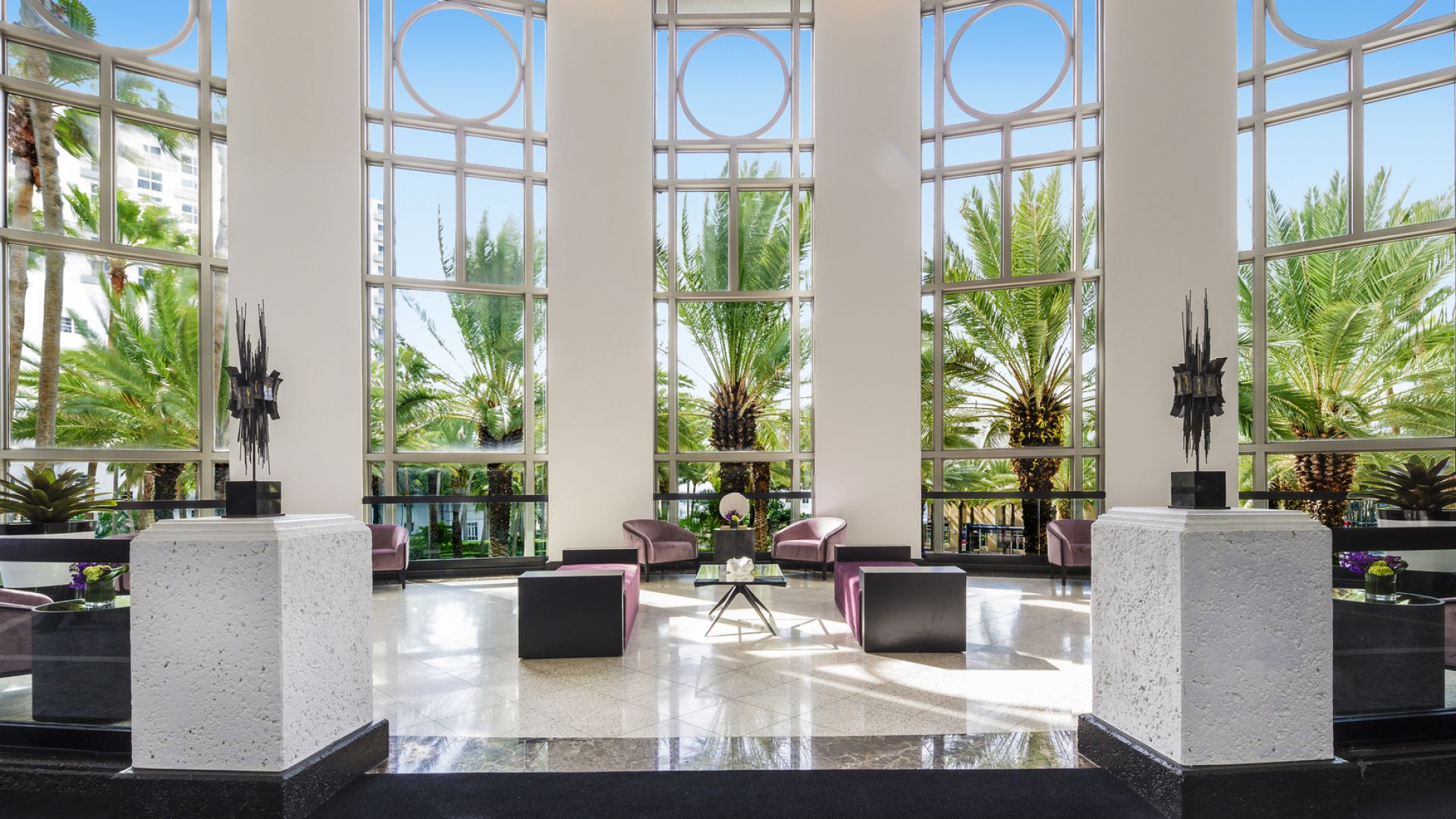 Blick in die Palm Court-Rotunde | Loews Miami Beach Hotel