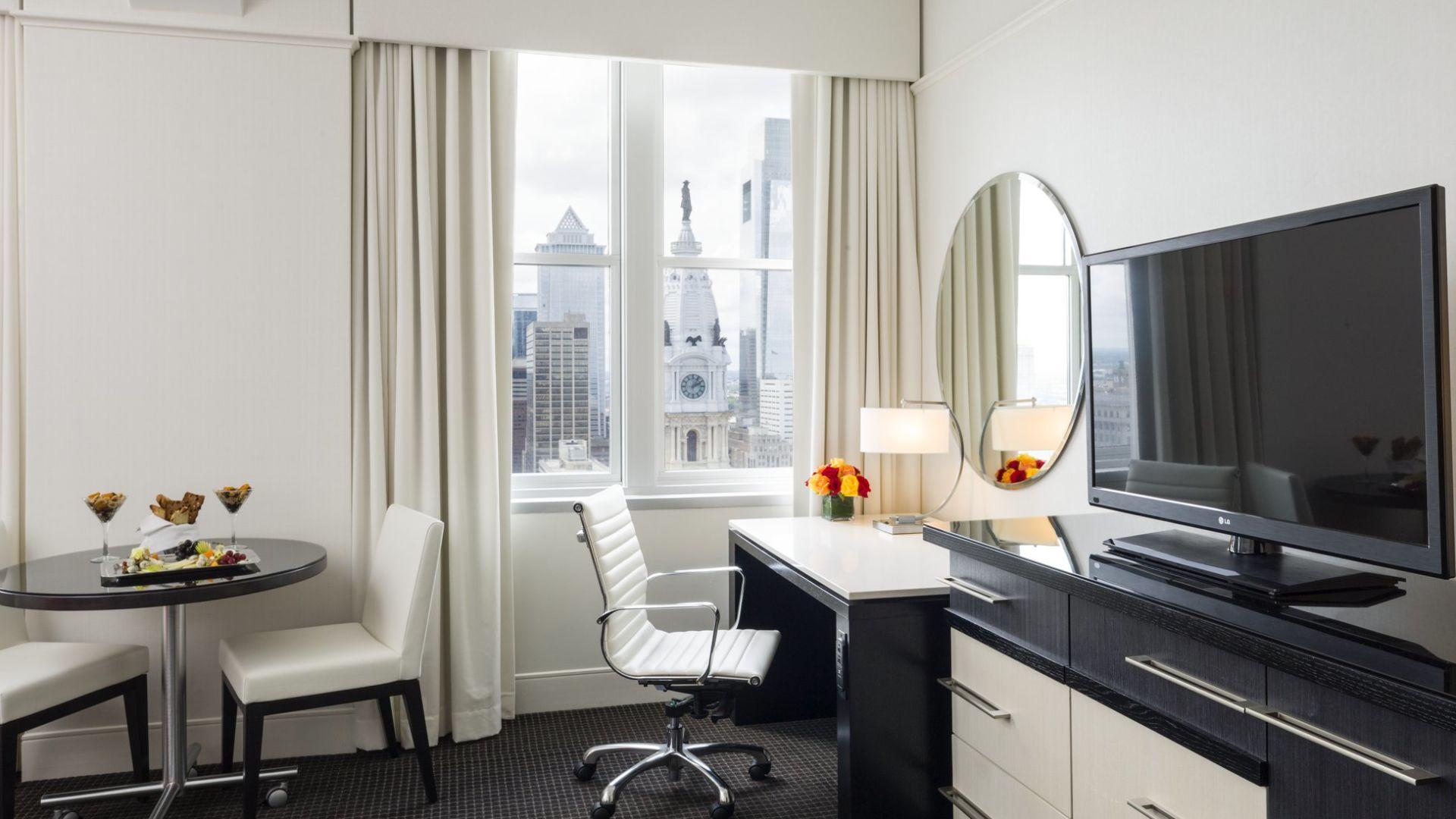 Sala de la suite | Loews Philadelphia Hotel