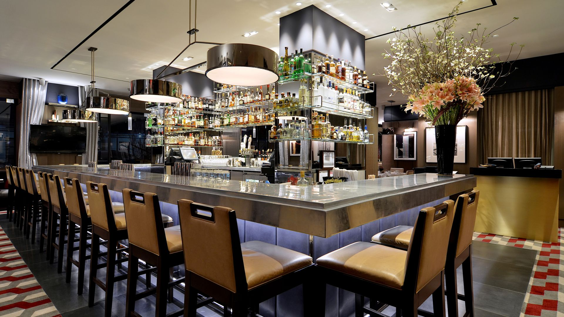 The Regency Bar & Grill | Loews Regency New York Hotel