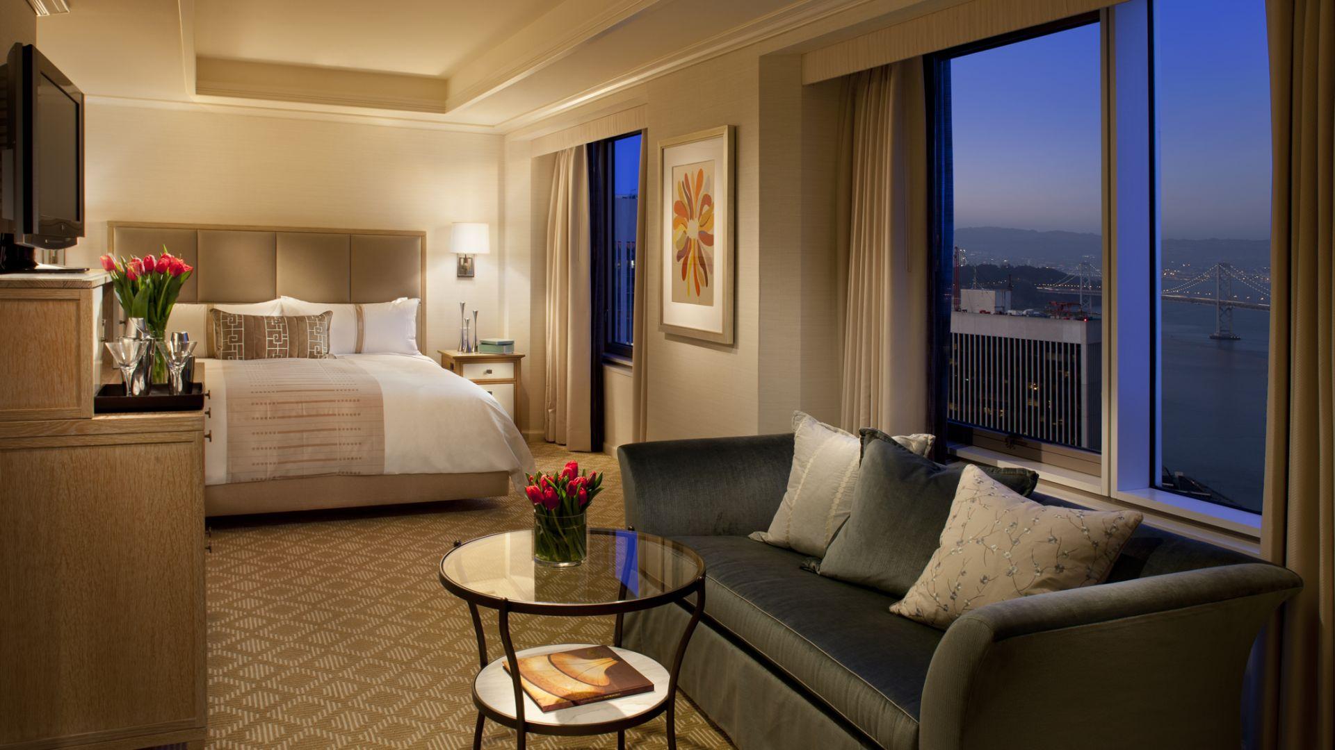 Superior con vista a la bahía y cama Queen | Loews Regency San Francisco