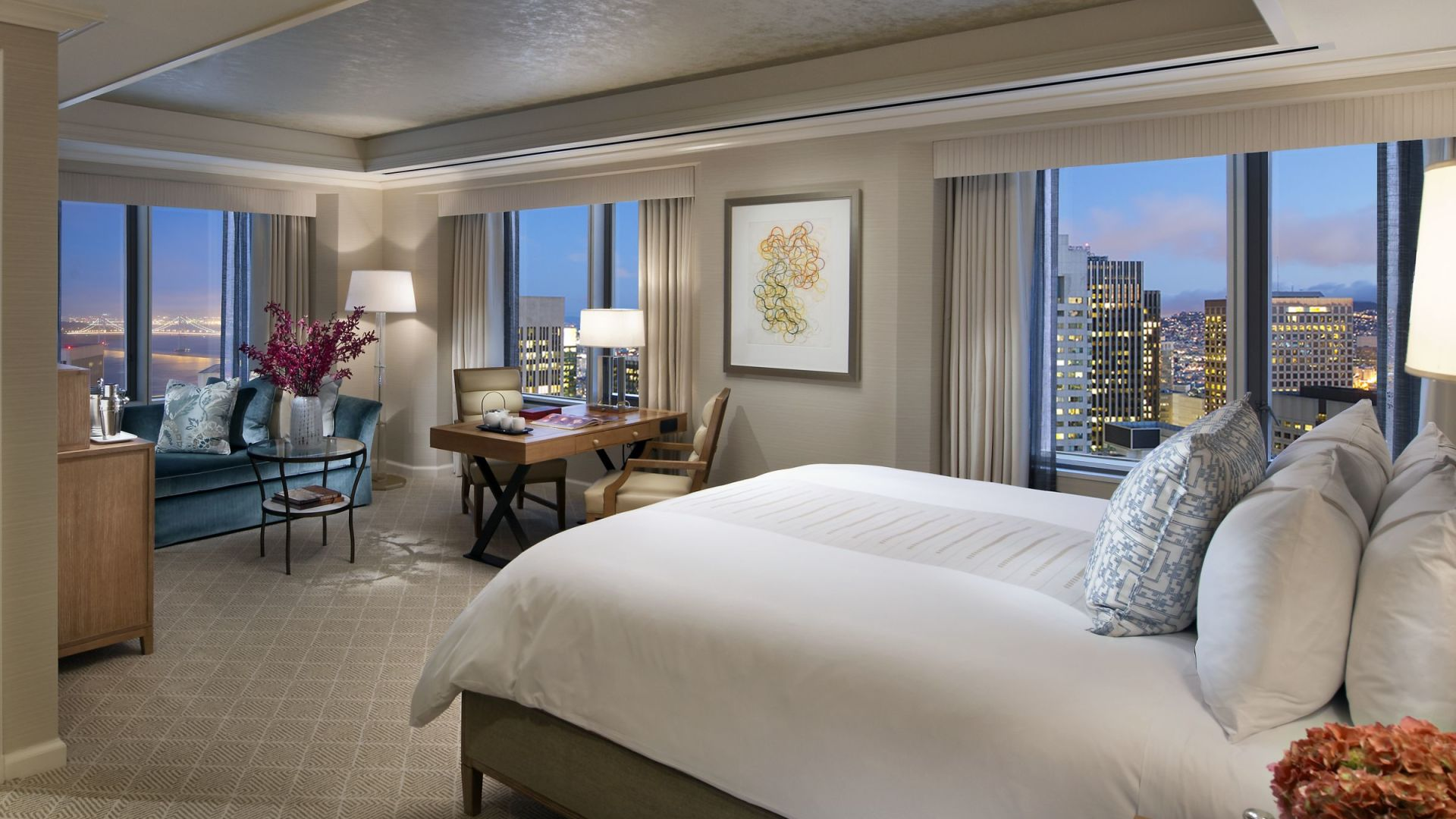 Luxury Bay Bridge King Room | Loews Regency San Francisco