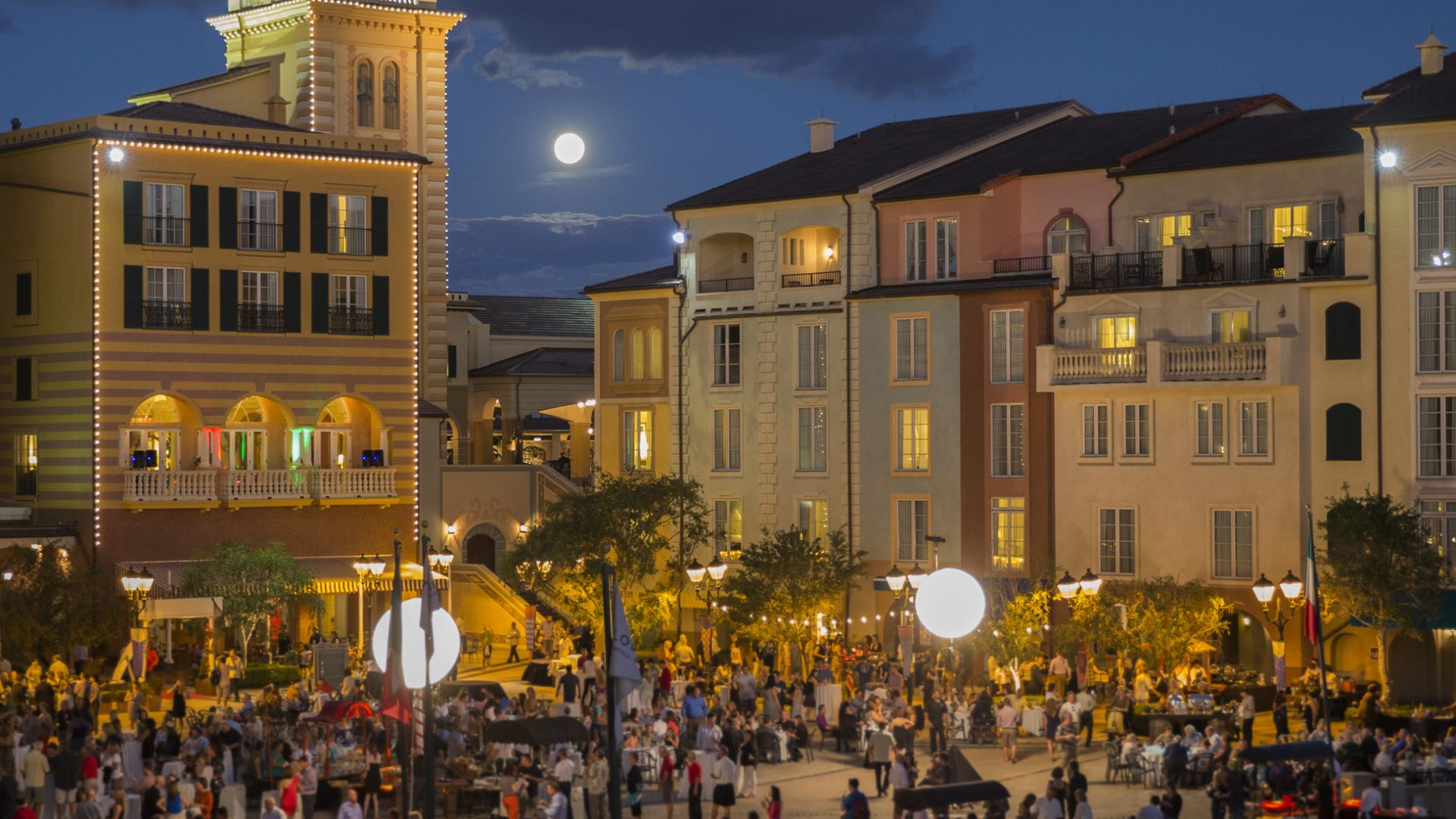 Harbor Nights Exterior | Loews Portofino Bay Hotel | Universal Orlando