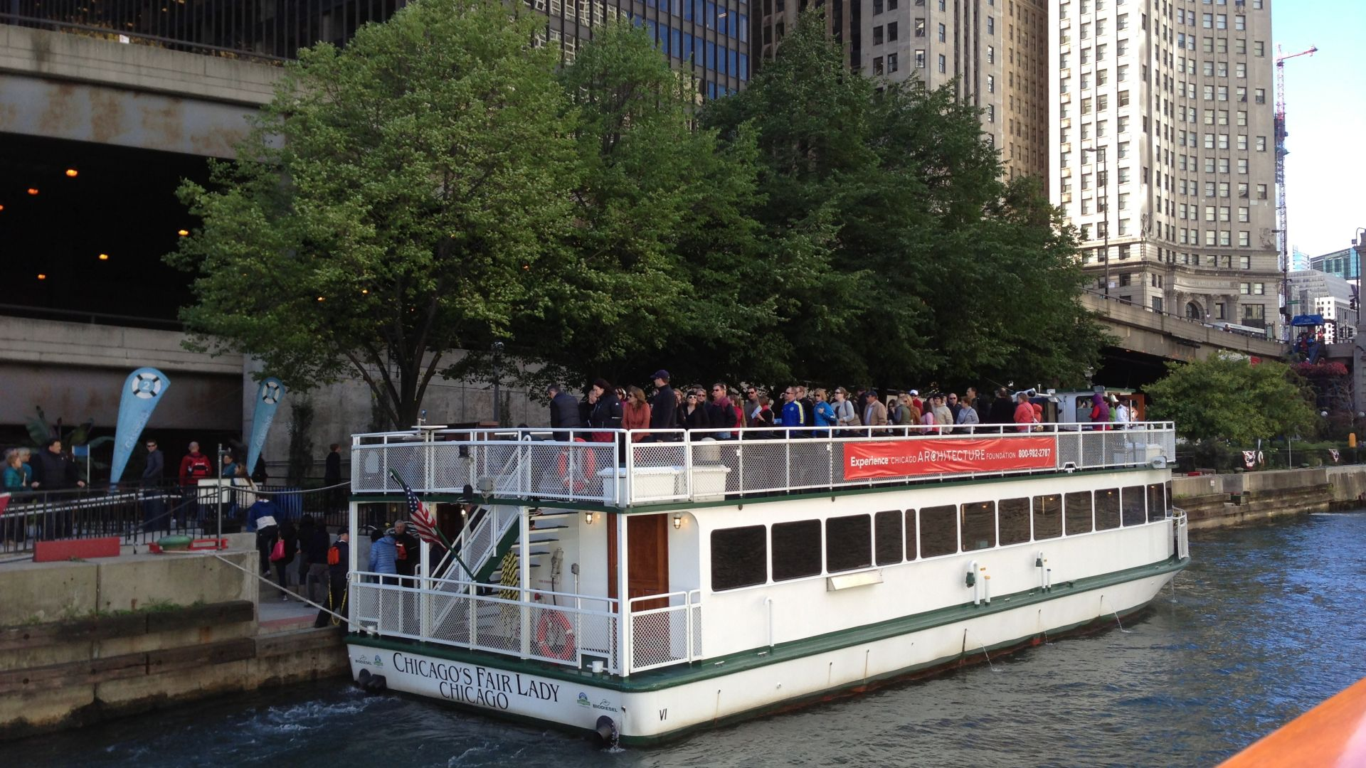 River Architecture Tour Chicago | Loews Hotels | #WishYouWereHere Blog