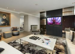 Sala de estar Suite Artista | Loews Minneapolis Hotel