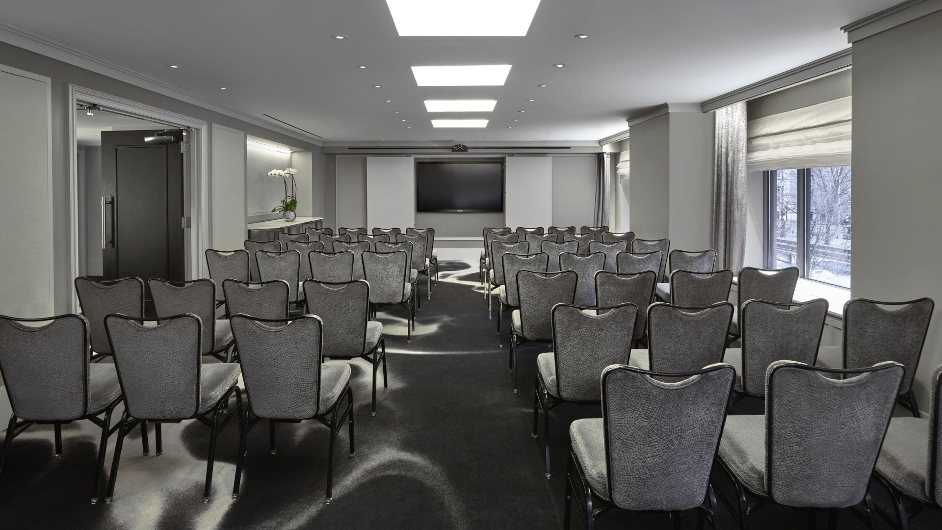 Regency New York Meeting Room