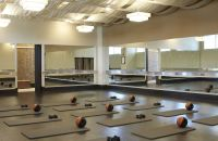 estudio de yoga y fitness Exhale