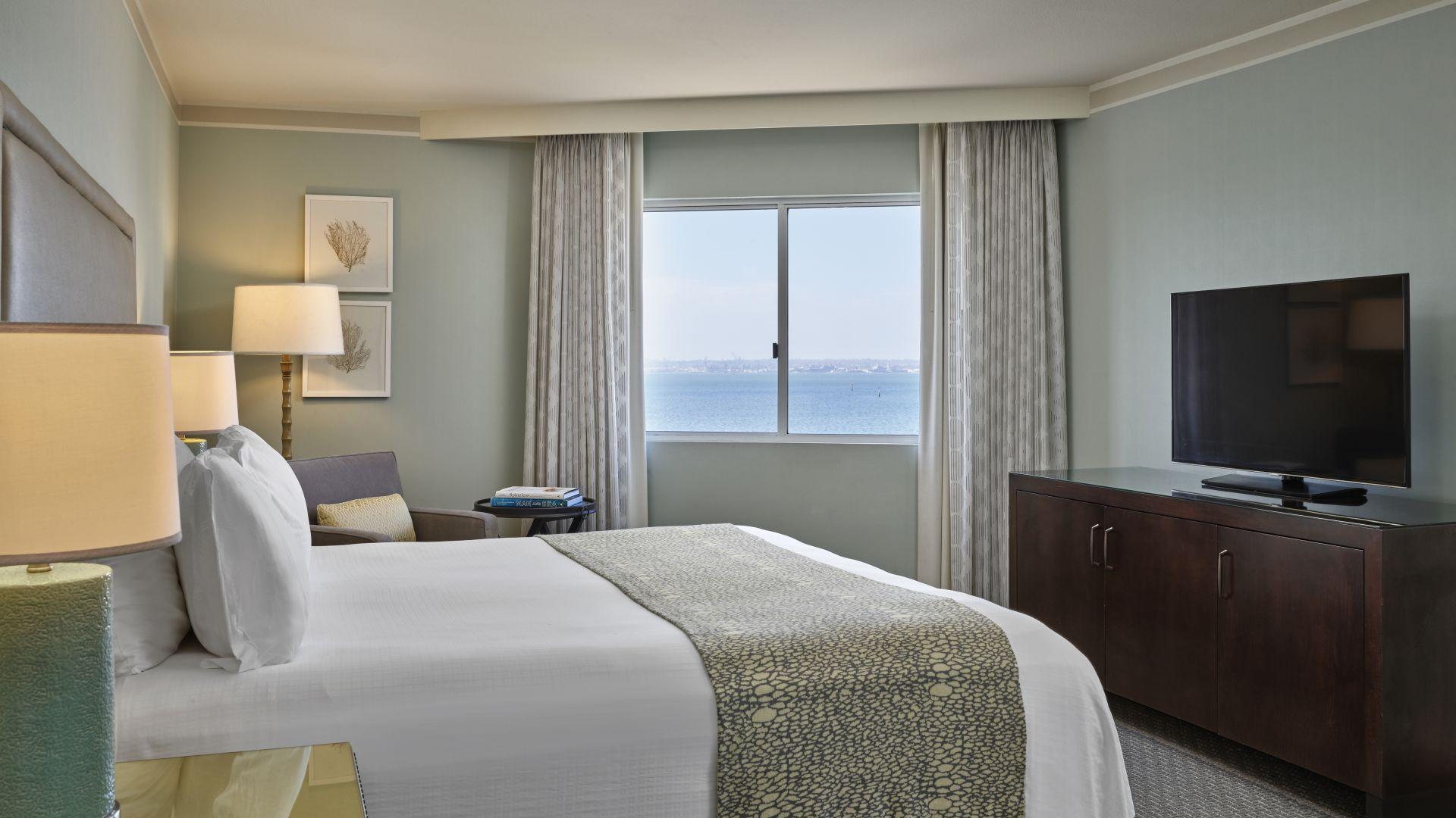 Habitación de la suite con vista de San Diego