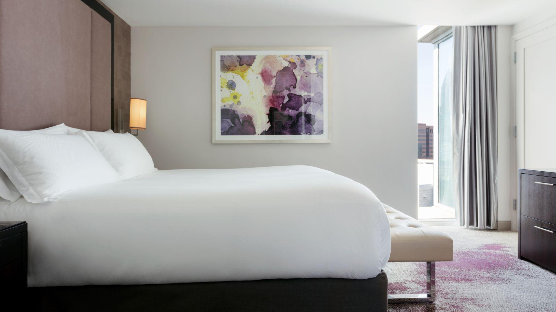 Habitación de la suite elegante de lujo