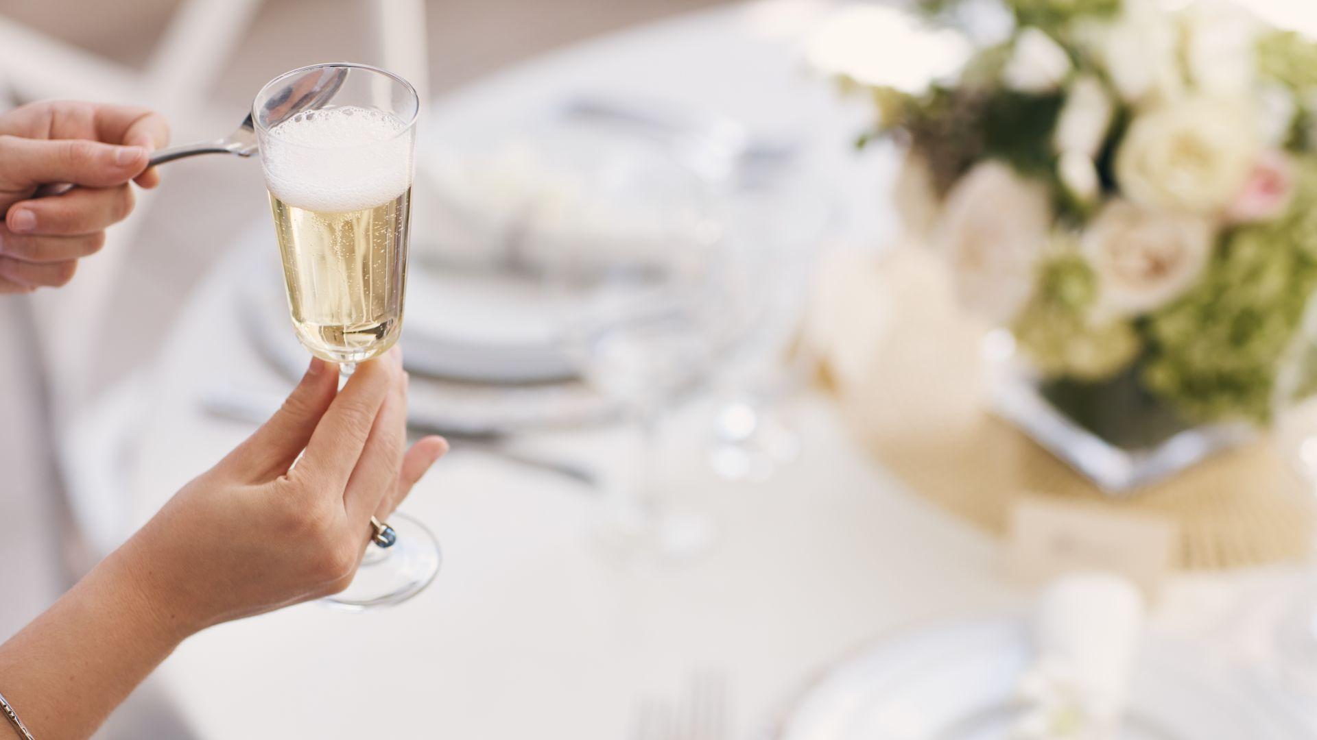 Loews Hotels: brindis en una boda