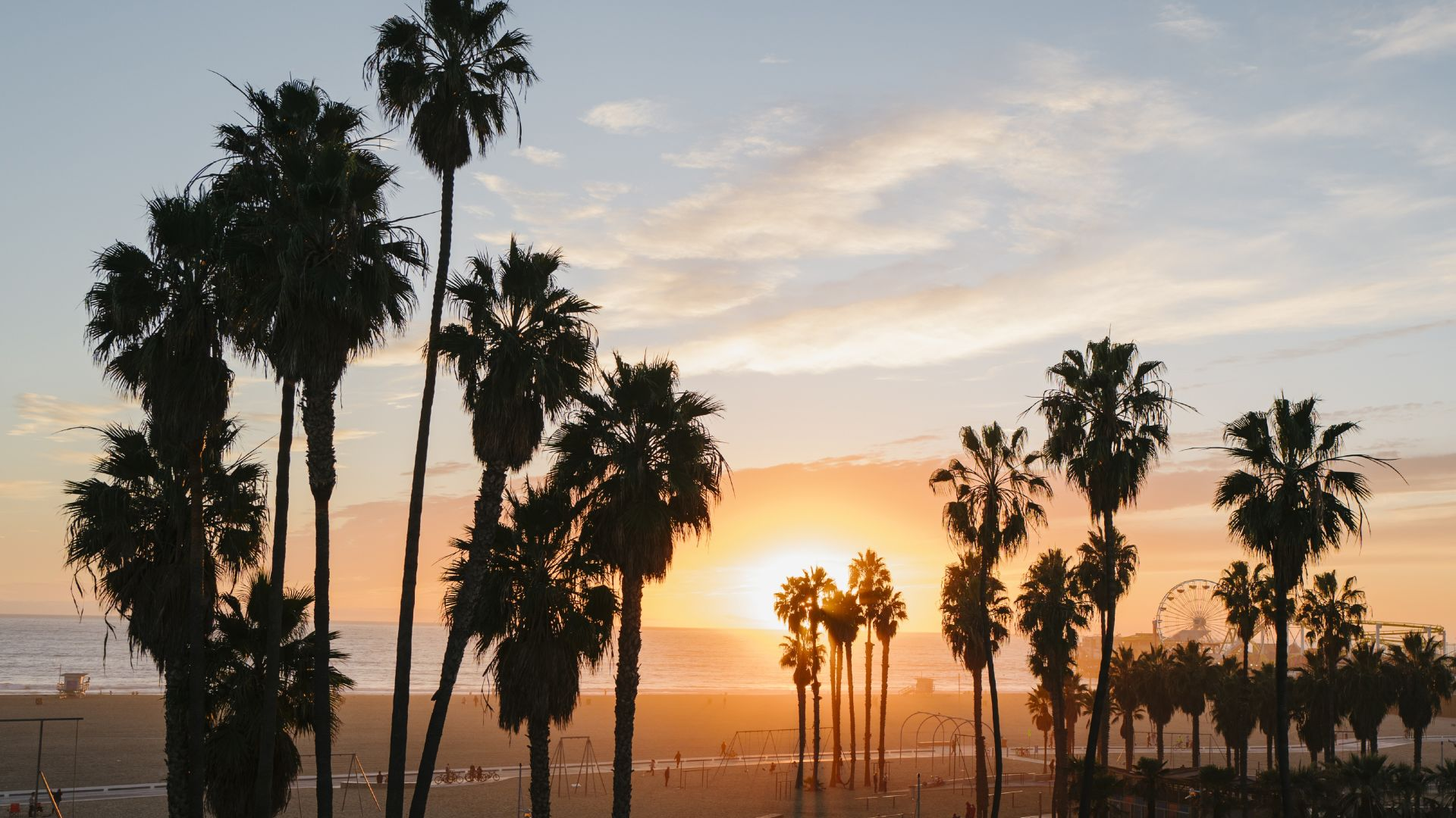 | California Dreamin' – Includes up to 20% Off & More | Soak up Santa Monica and enjoy dining credit, welcome drinks, waived resort fees, valet parking and more. | RÉSERVER