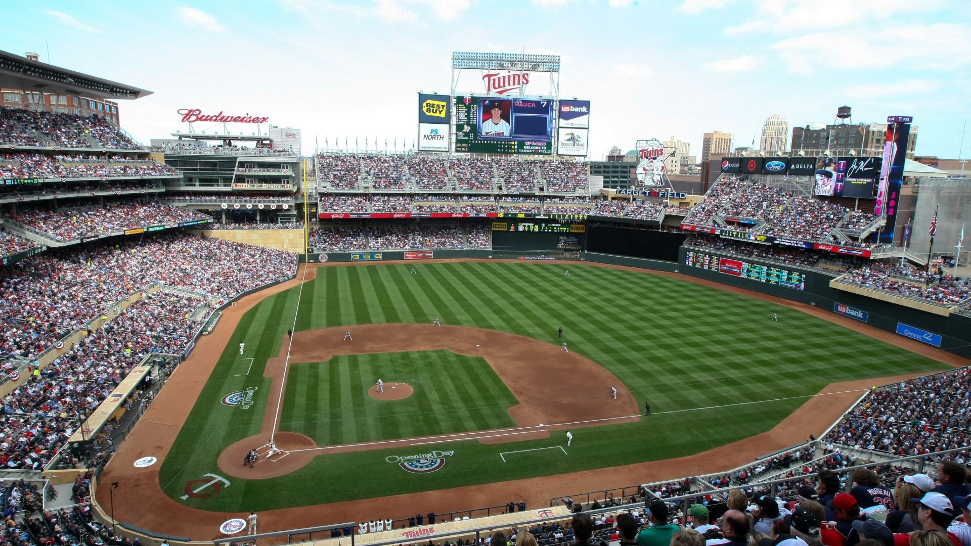 | Grand Slam Baseball Package | Located just steps from Target Field, enjoy a grand slam stay at Loews Minneapolis Hotel. | Book Now