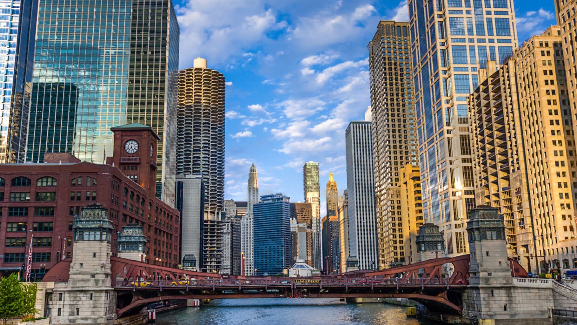 |Este verano, salga y descubra sus historias en Chicago mientras crea nuevos recuerdos familiares. | Reserve ahora